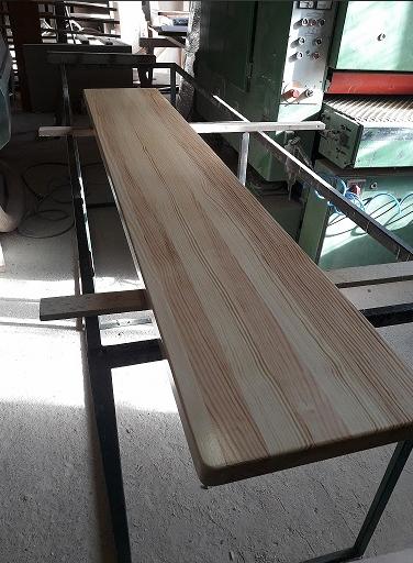 Parapety z litego drewna